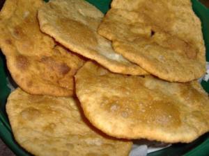 Ingredientes:Harina Agua Sal Esta coquetes son muy populares en la comarca del Comtat alicantino en torno a los pueblos de la foia de Cocentaina. Es hoy uno de los centros gastronómicos alicantinos de mayor atractivo.