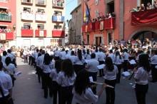Primera plana > FIESTAS El Patio de Armas del Palau acogió la presentación de cargos de 2013 Cocentaina presenta sus cargos festeros en un acto con novedades